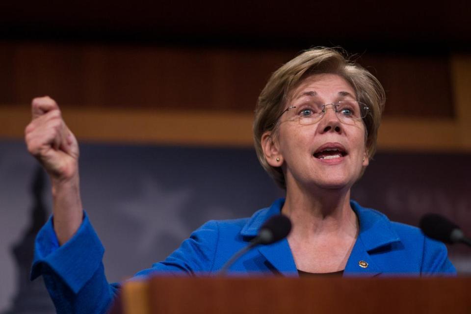 Massachusetts senator Elizabeth Warren addresses a crowd.