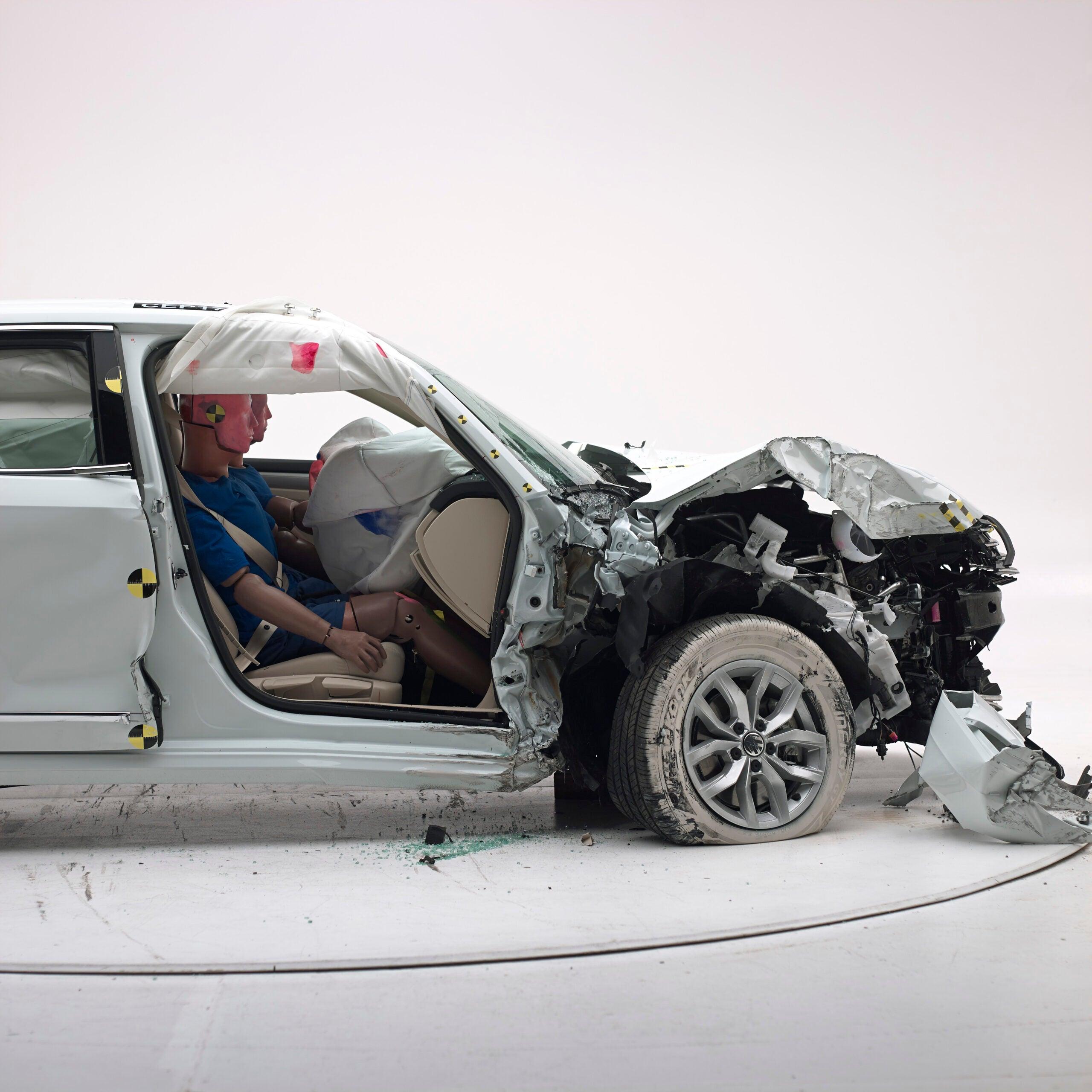 Volkswagen Passat front crash test.