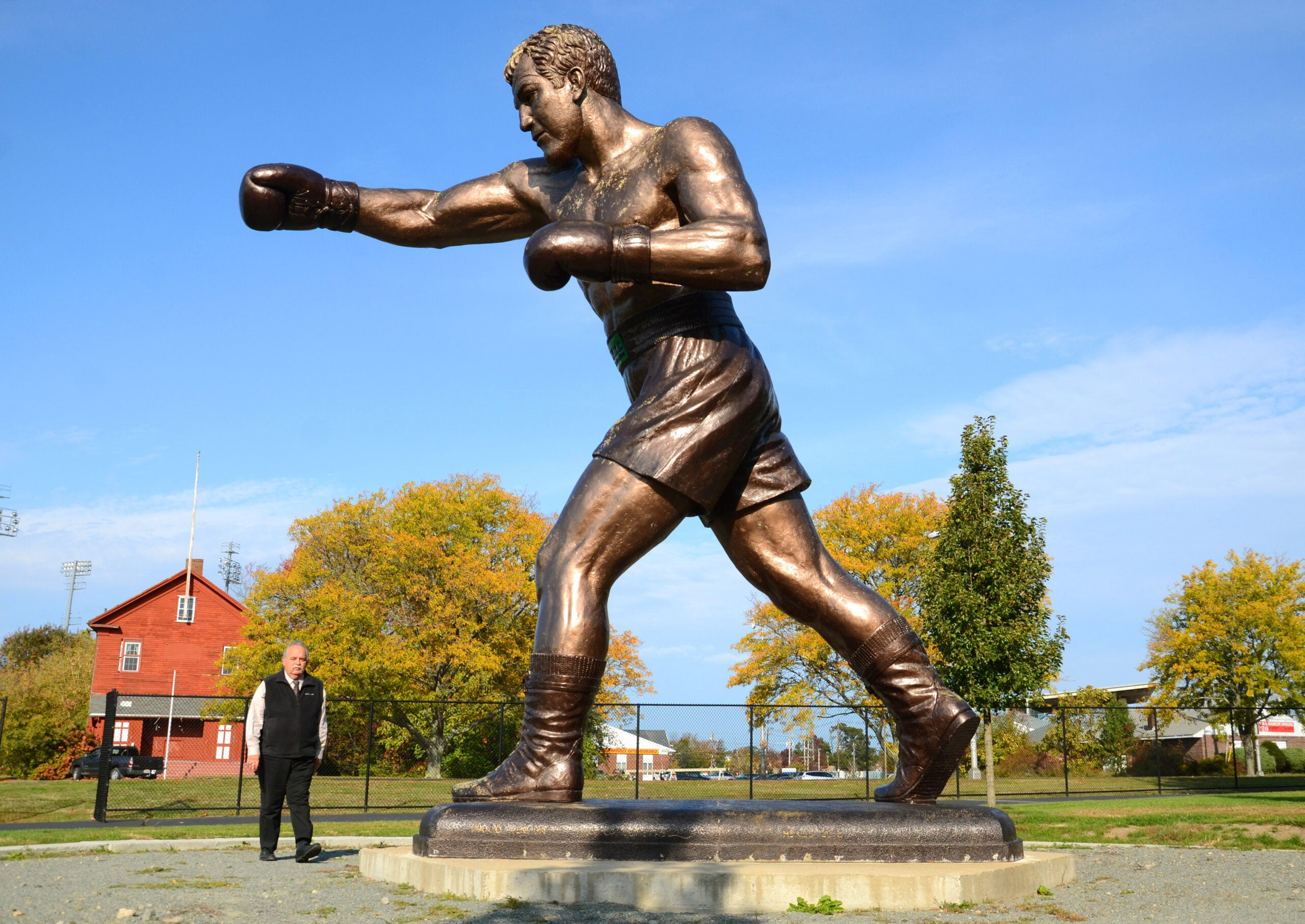 Super Bowl wagers feature Harpoon beer, Rocky statues, and Tom ...