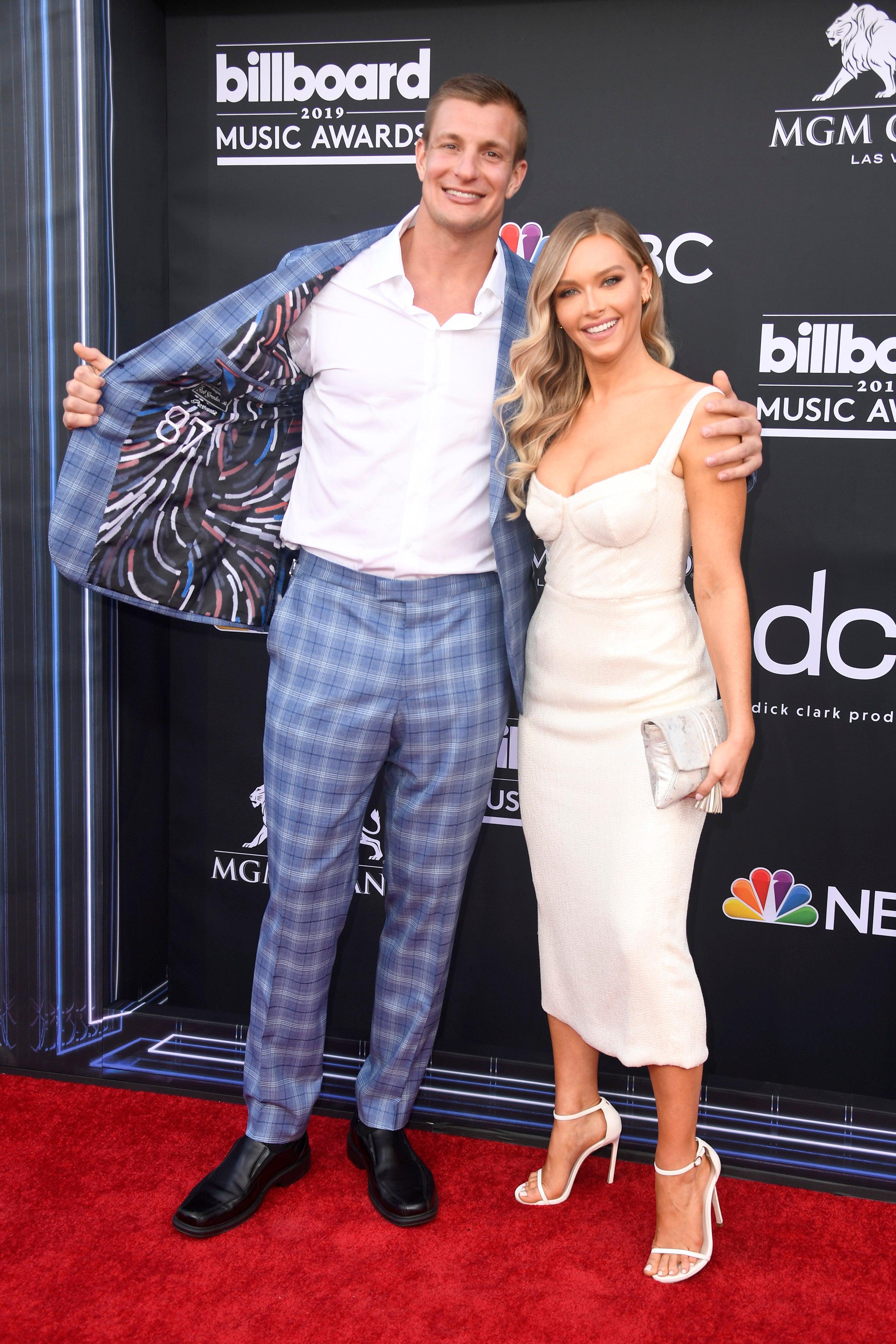 Rob Gronkowski Camille Kostek Billboard Music Awards - Arrivals