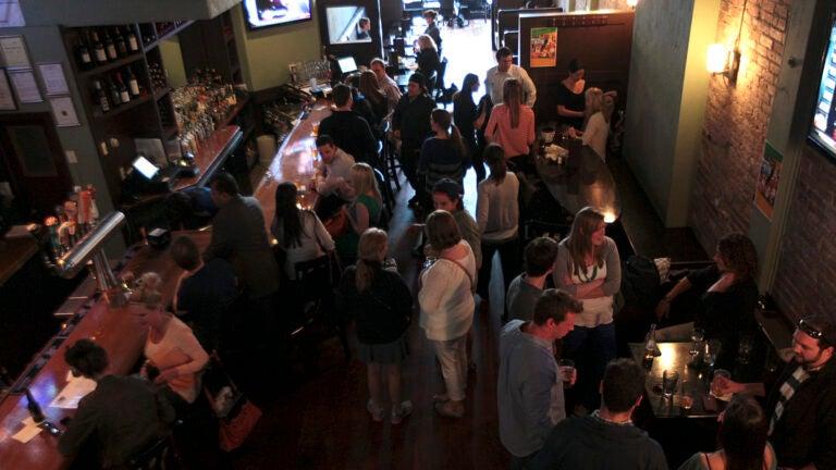 Globe Bar & Café