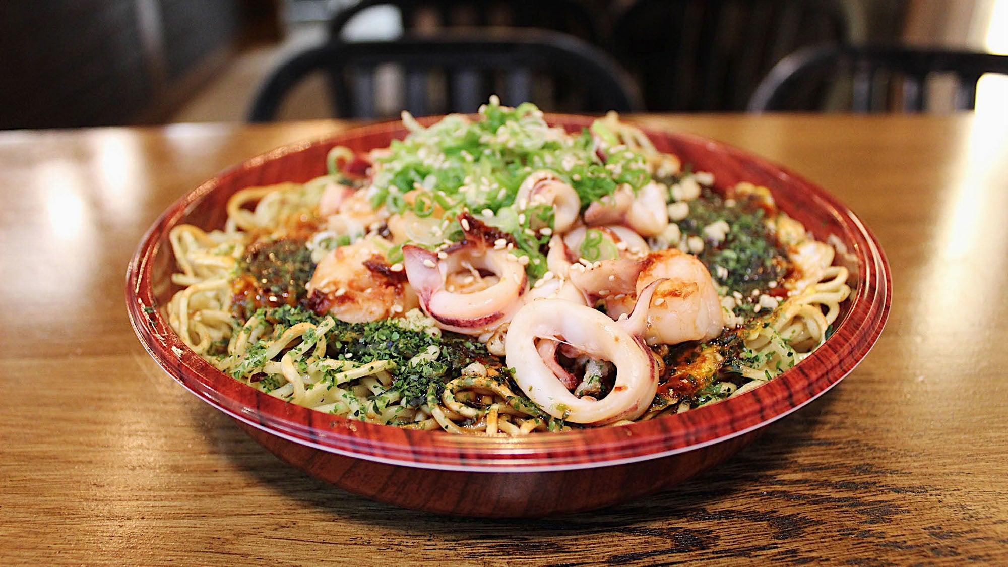 Seafood okonmiyaki at Gantetsu-Ya