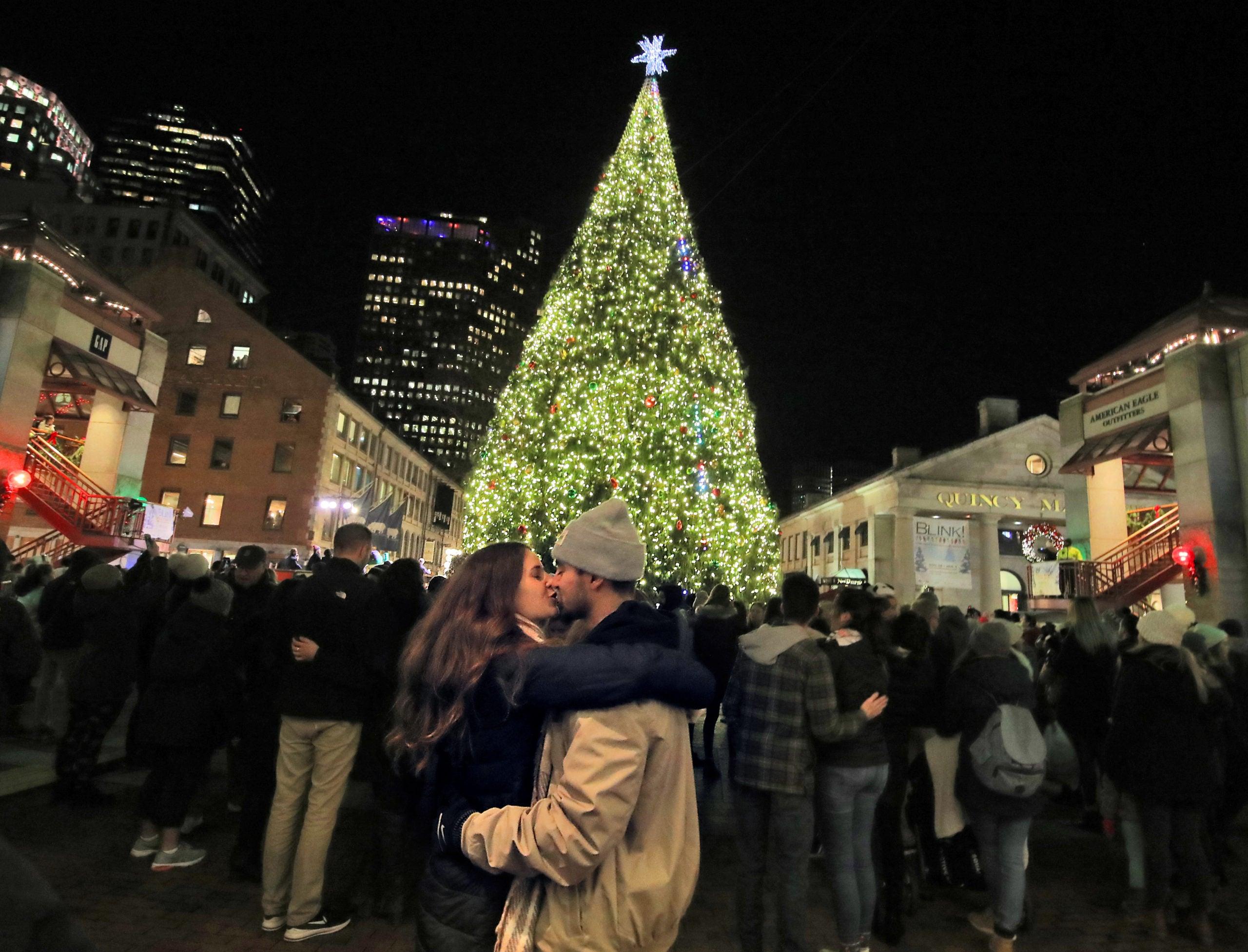 christmas tree lighting 2018