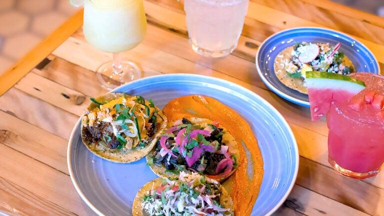 Tacos at Cósmica