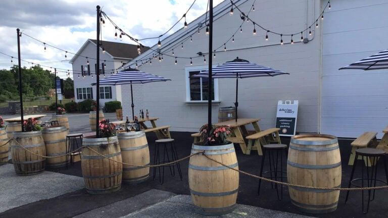 Debevino Winery patio