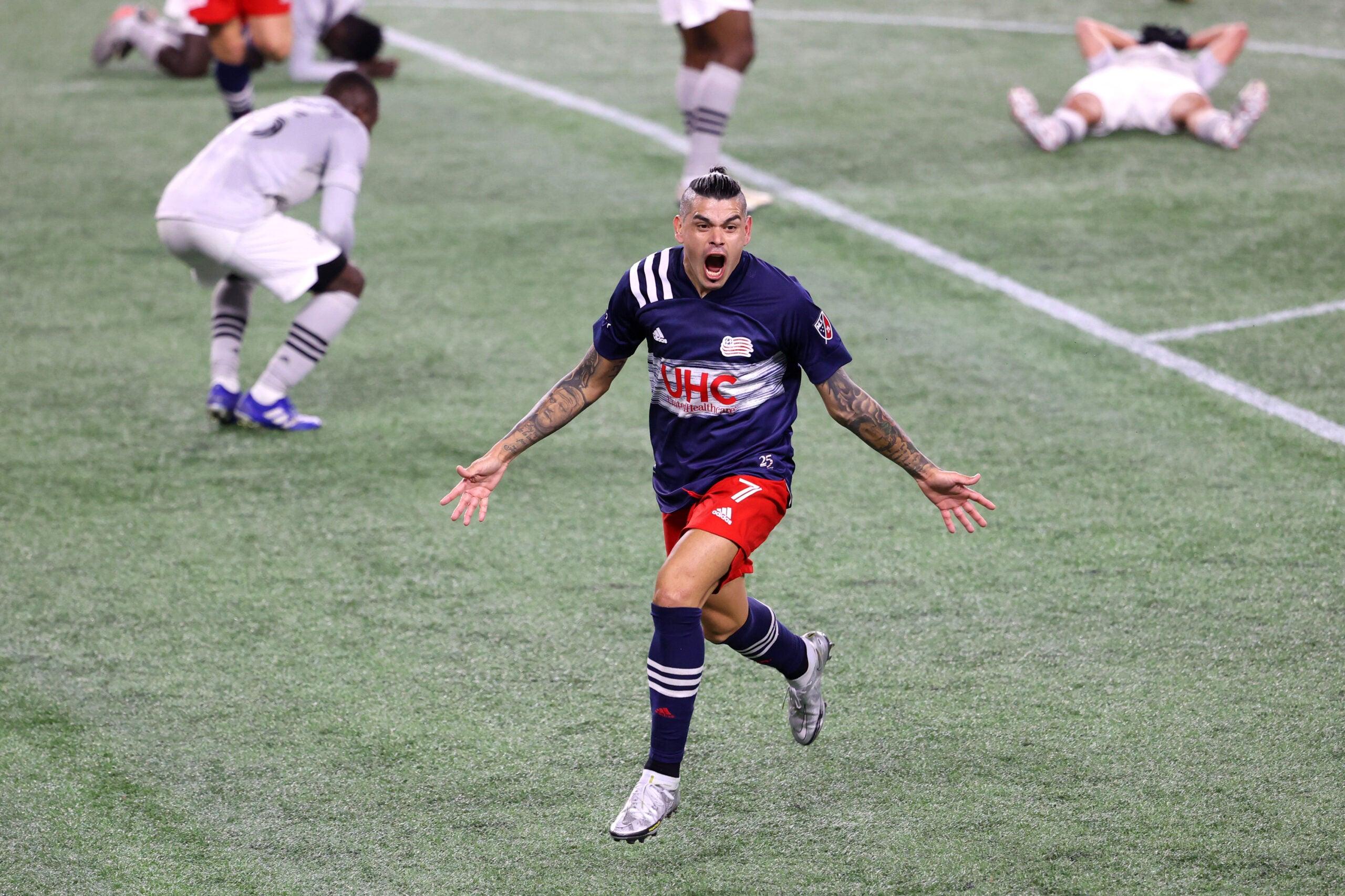 Gustavo Bou Revolution playoff winner
