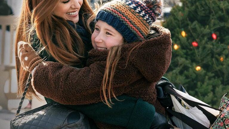 "Isla Fisher in ""Godmothered""."