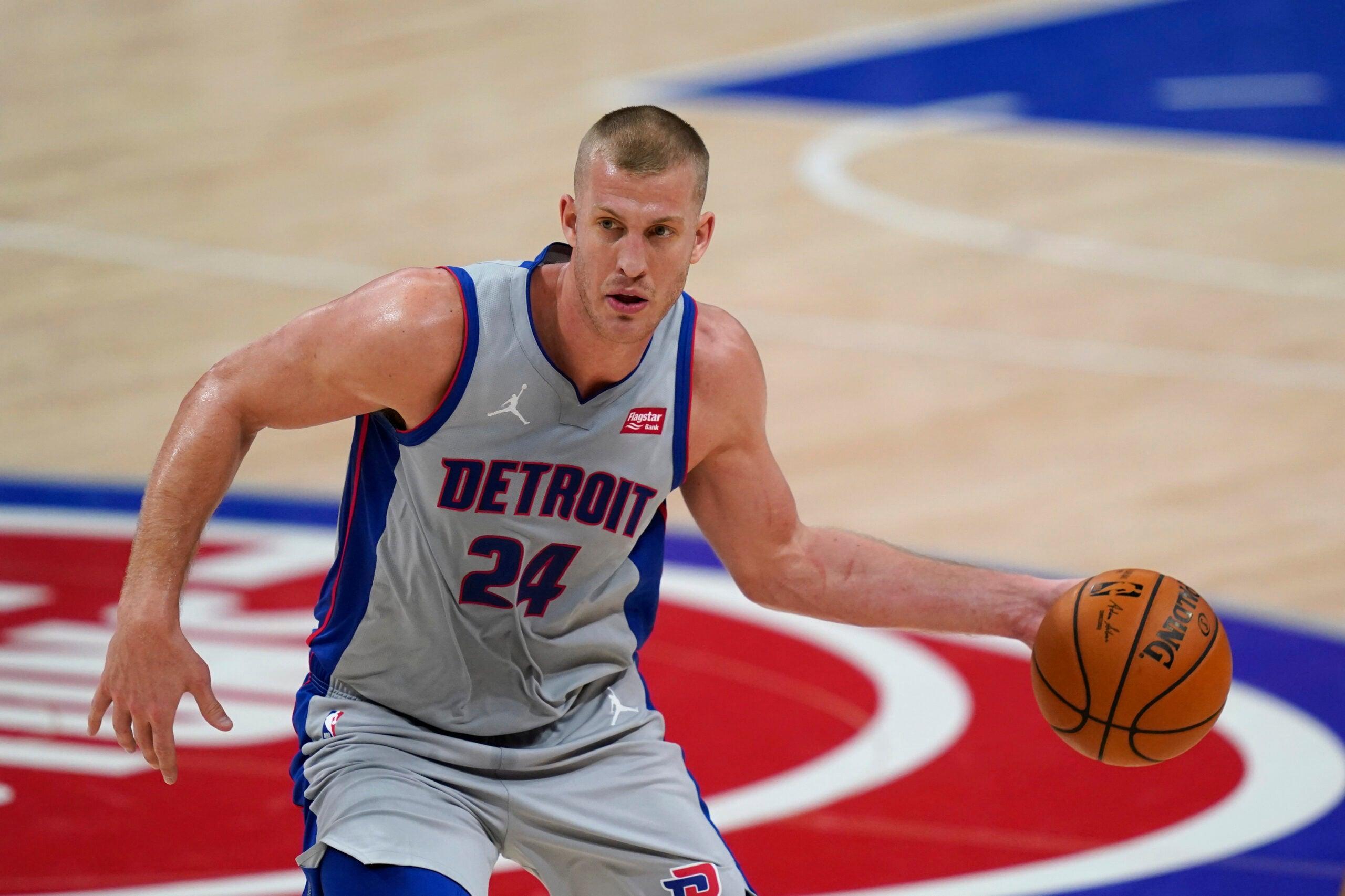 Mason Plumlee Celtics Pistons