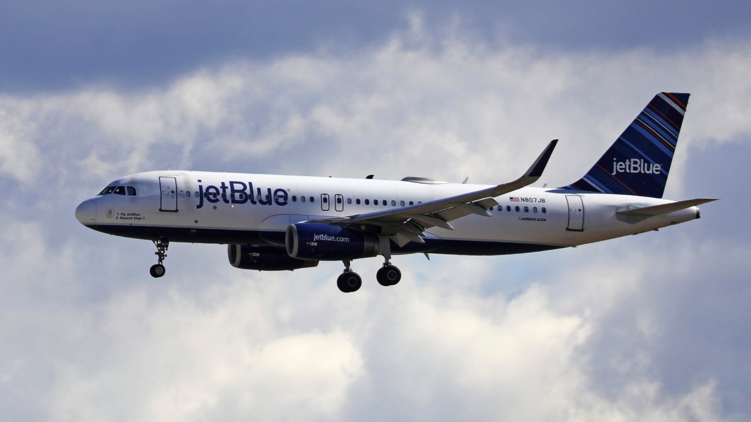 JetBlue named among 10 best low cost airlines for 2021