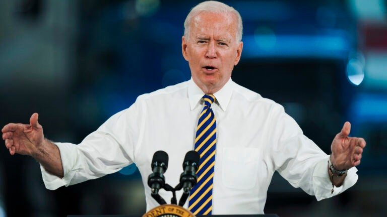 Biden asks states to offer the unvaccinated $100