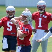 Patriots quarterback competition