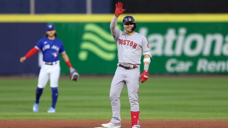 Red Sox beat Blue Jays