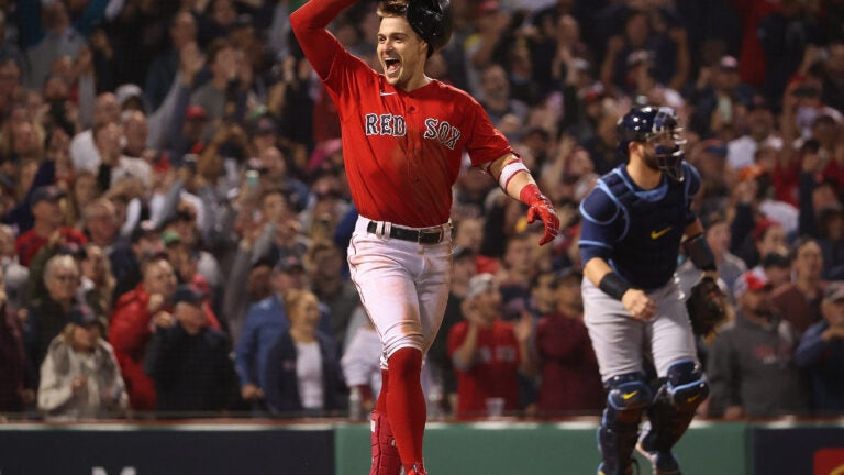 Kiké Hernández, Red Sox celebrate