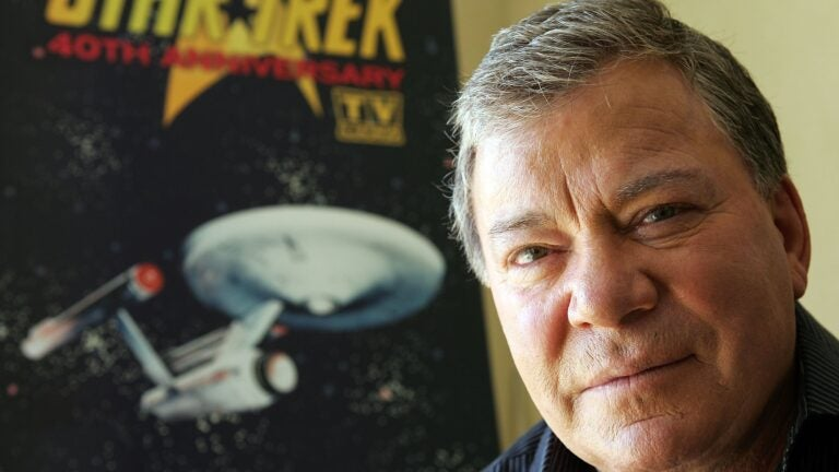 Like Captain Kirk, William Shatner will travel to space (almost ...